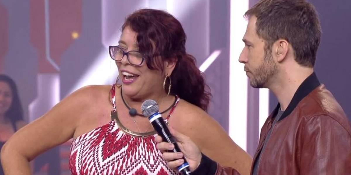 BBB18: Eliminada, Mara grita 'Fora Temer' ao vivo