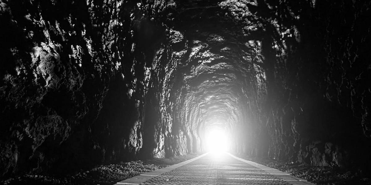 Si cavas un túnel hacia el otro lado del mundo ¿a dónde llegaría?