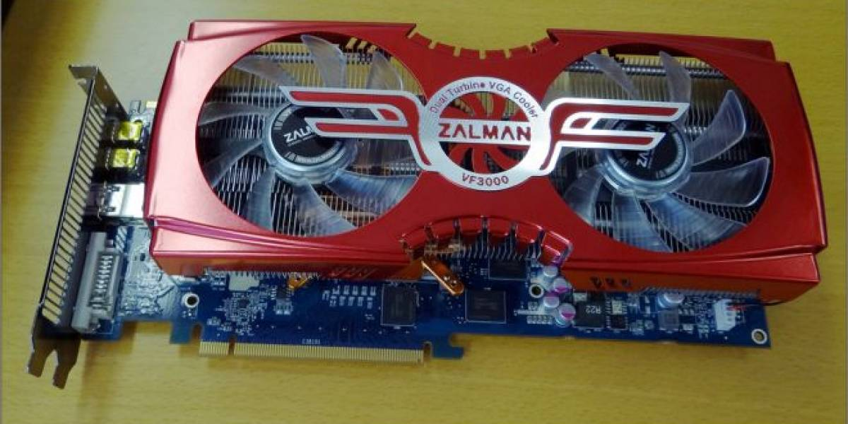 Zalman Radeon HD 7950 VF3000 posa para la cámara