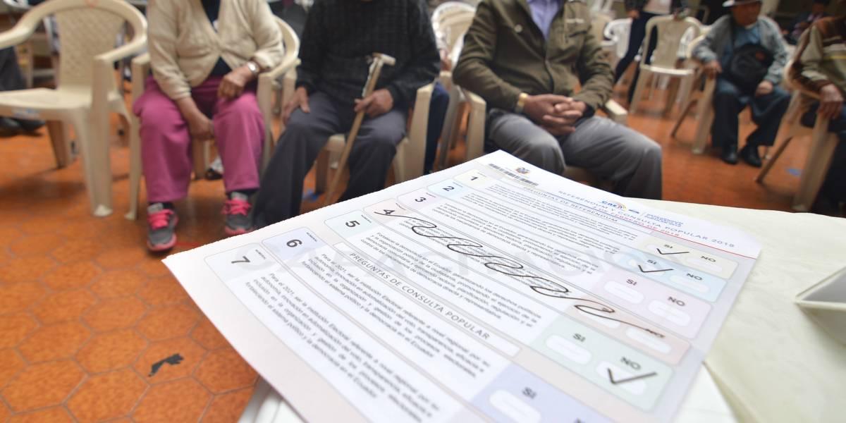 Adultos mayores de centro geriátrico en Cuenca votan mañana
