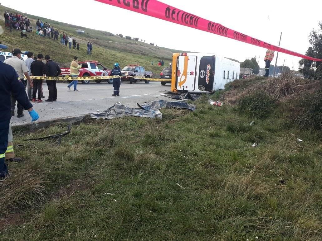 ECU 911 6 muertos y 14 heridos tras accidente de tránsito en Cañar