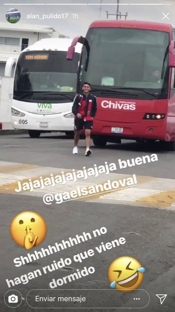 Camión de Chivas regresa al aeropuerto: jugador se quedó dormido