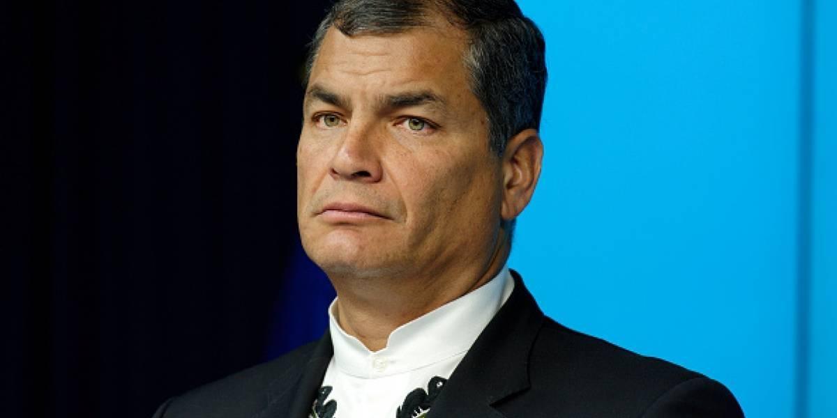 """Rafael Correa se enojó con un periodista porque la entrevista fue """"muy corta"""""""