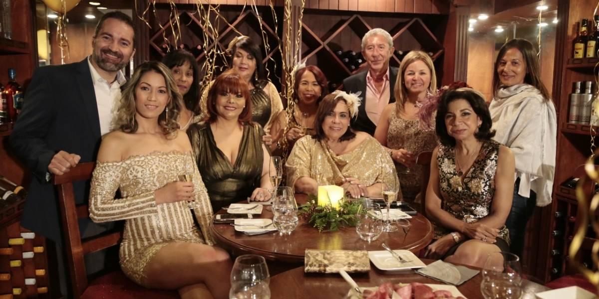 """Programa """"Socializando con Mirna"""" realizó encuentro anual"""