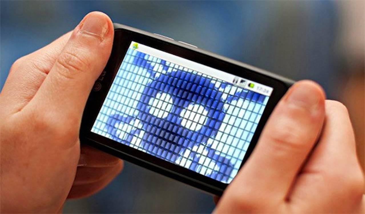 Usuarios de Facebook y Twitter pueden haber visto comprometida su información personal