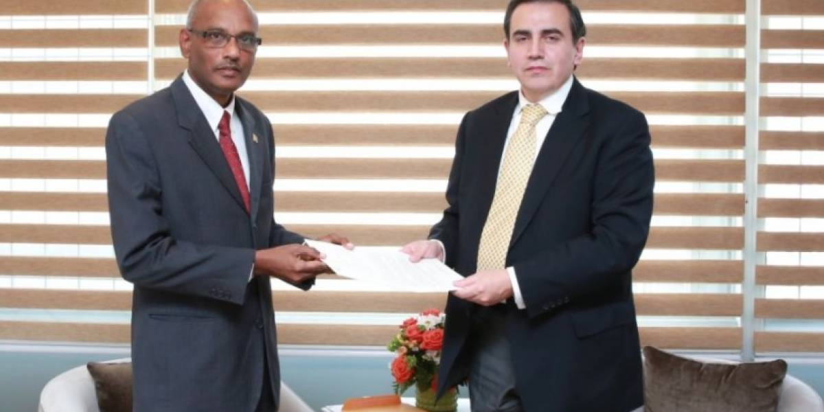 Embajadores de Sri Lanka, Bélgica, Suráfrica y Suecia se presentan en Ecuador