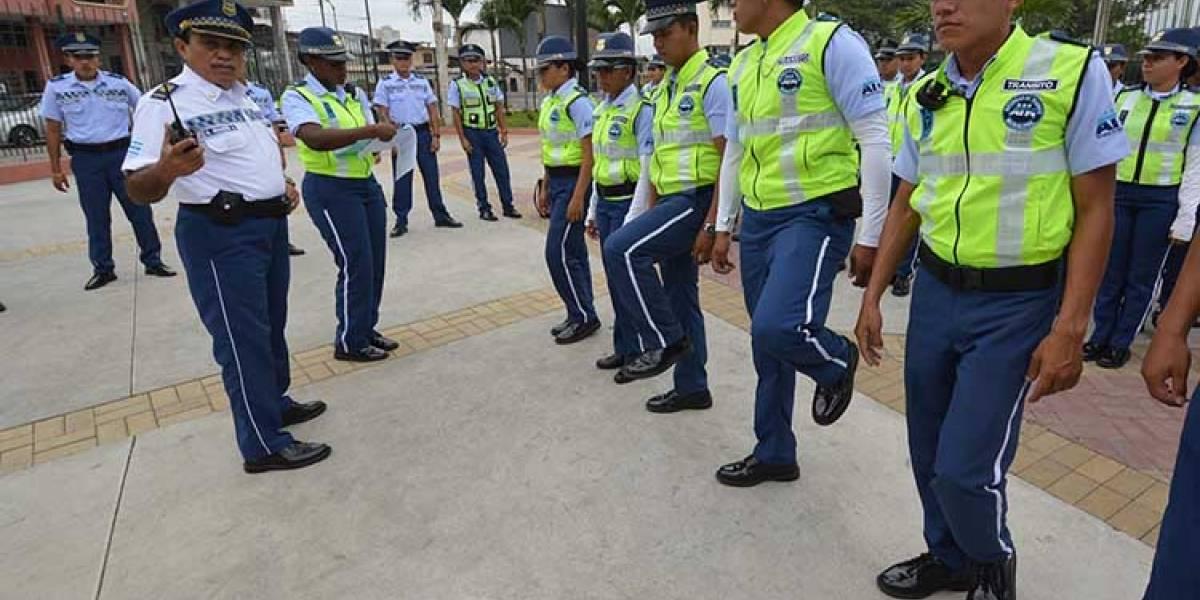ATM prohibió a sus agentes el uso del celular en horas laborables