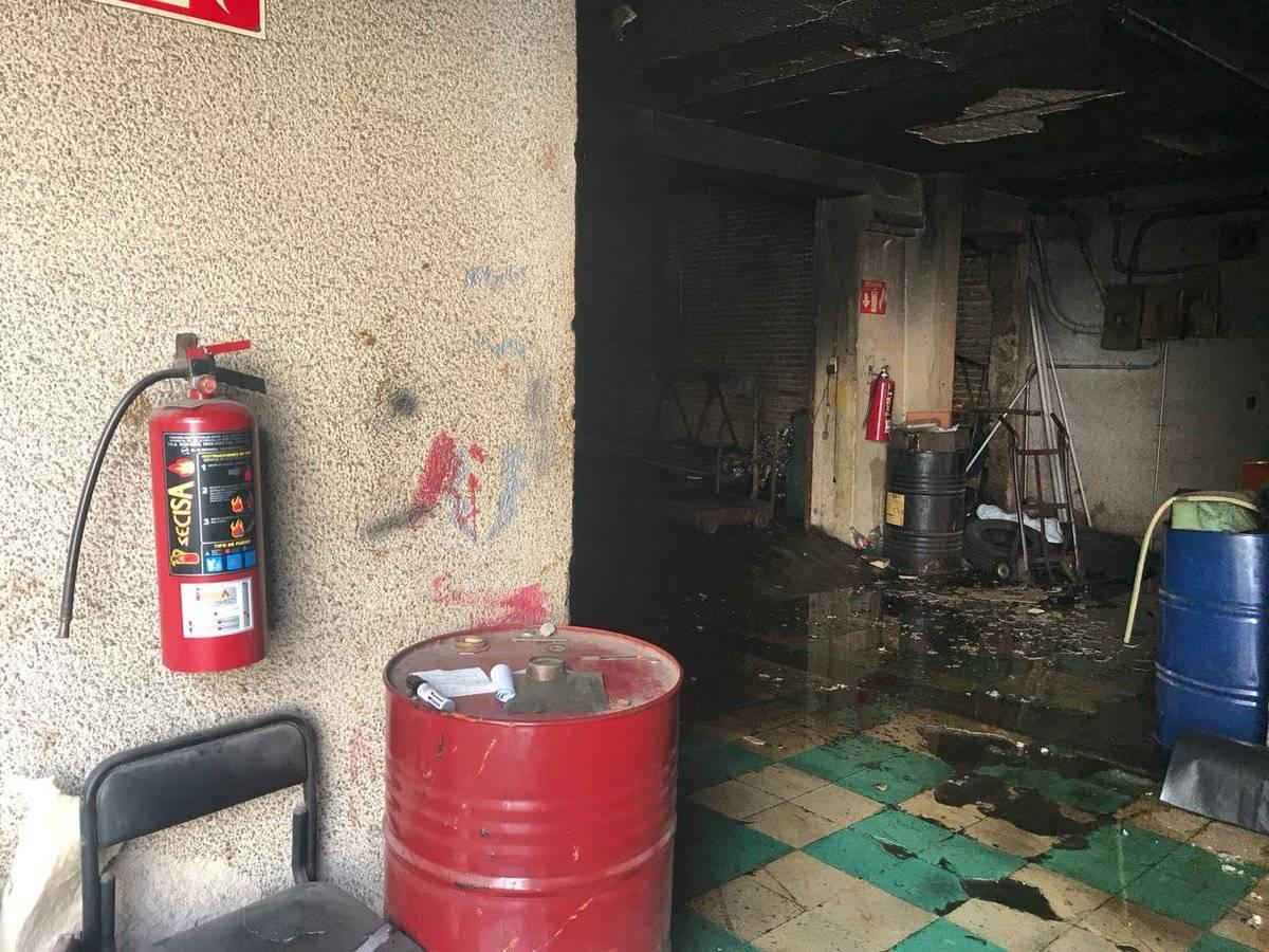 Se incendia bodega de hule espuma en el centro de Tlaquepaque