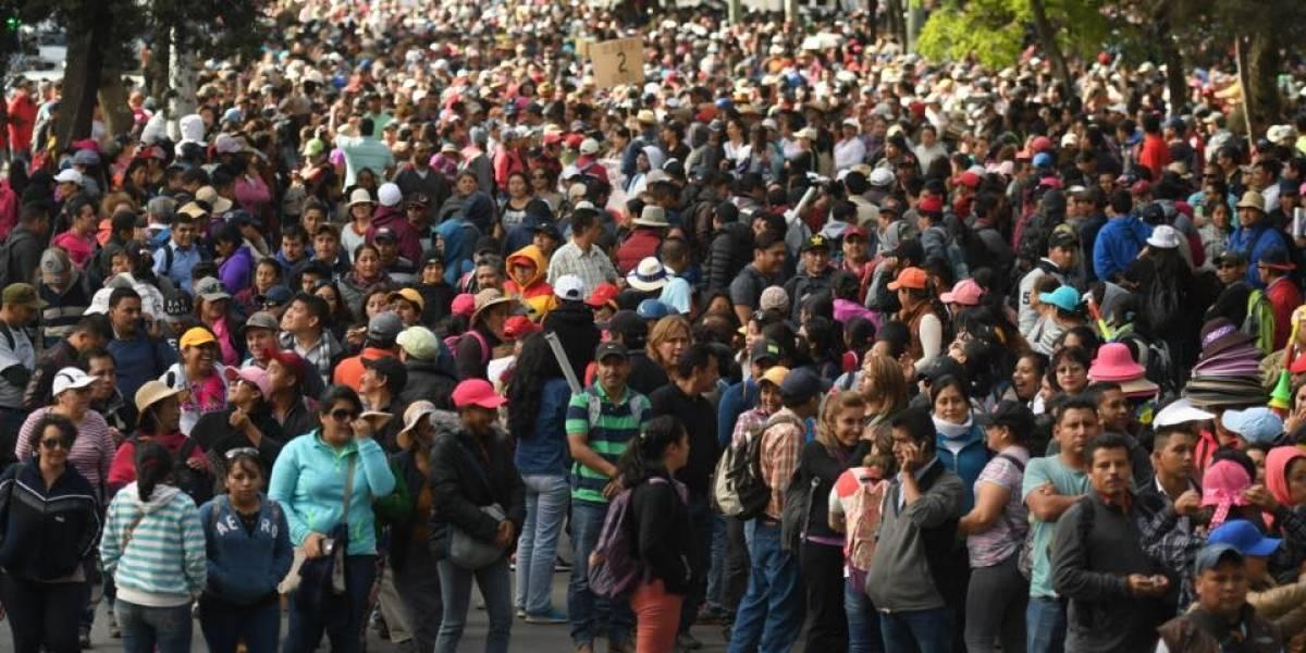 Maestros realizan marcha en la Ciudad de Guatemala