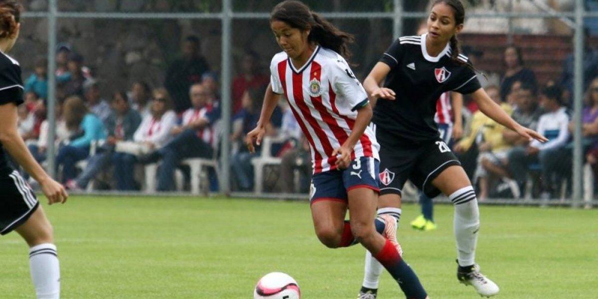 Miriam García, feliz por el buen paso de Chivas femenil