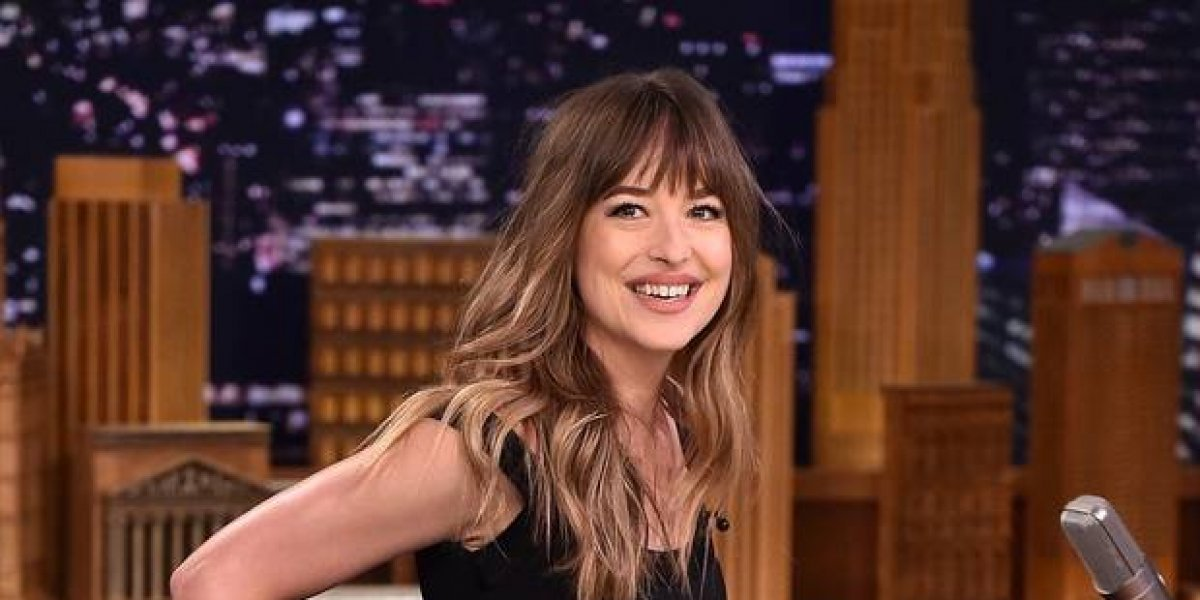 Dakota Johnson aclara situación con Angelina Jolie