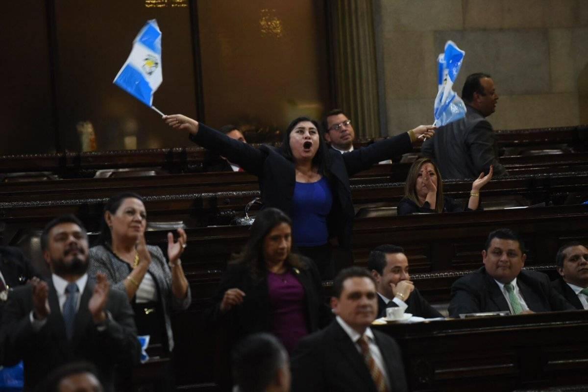 Hay diputados que buscan su reelección el próximo año con un partido diferente al que se postularon en 2015. Foto: Edwin Bercián