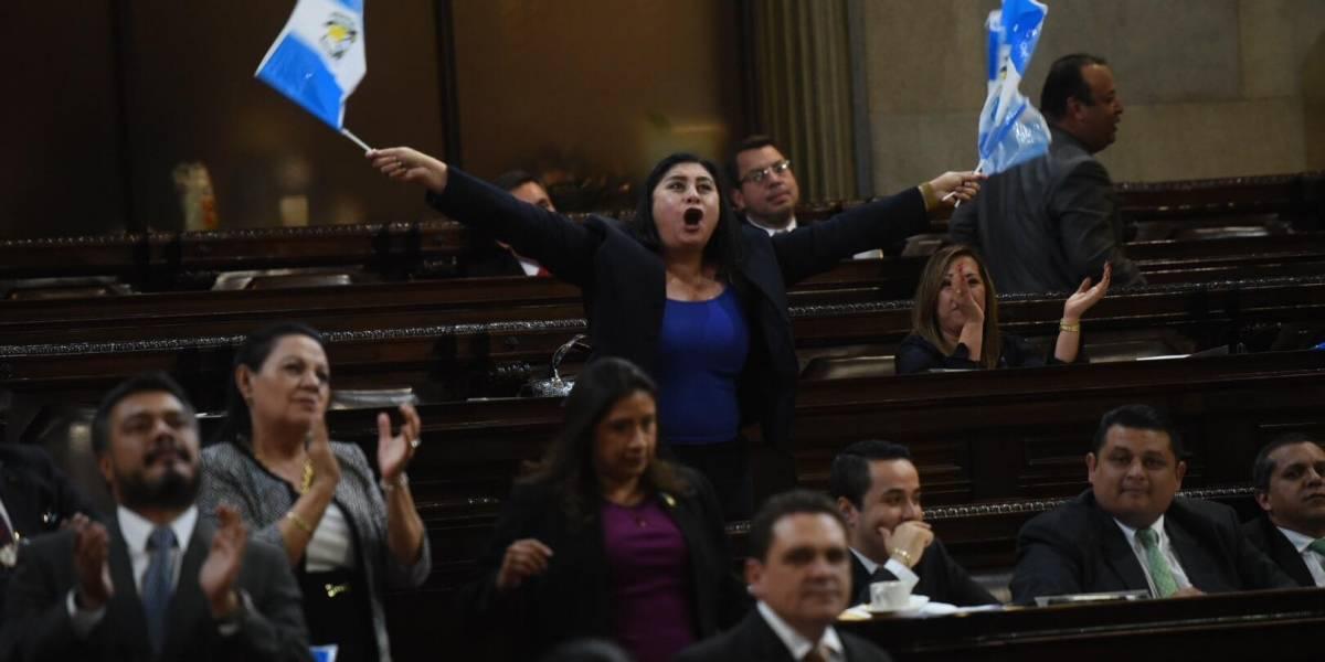 Diputados se preparan para reformar ley y garantizar su reelección