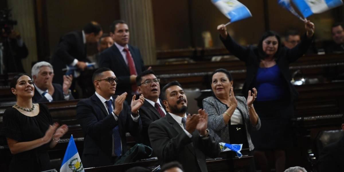 Diputados tránsfugas bloquean agenda para presionar reforma que permita la reelección