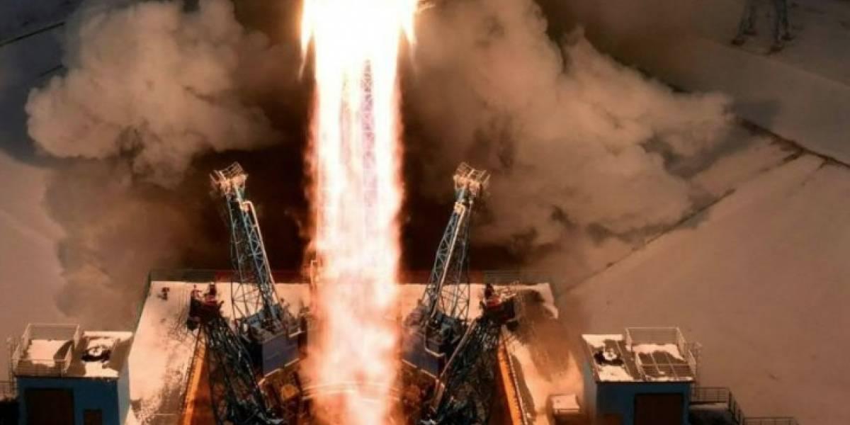 Rusia lanza 11 satélites desde su nuevo cosmódromo