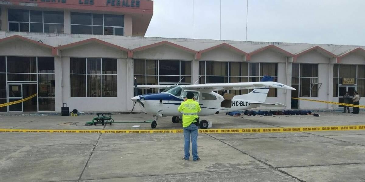 Fiscal y personal de aviación civil fueron detenidos con drogas