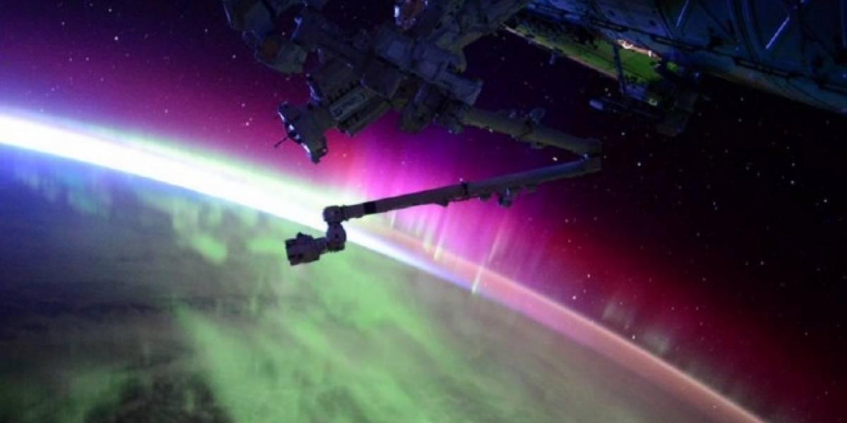 Así se ve una Aurora boreal al amanecer desde la Estación Espacial Internacional