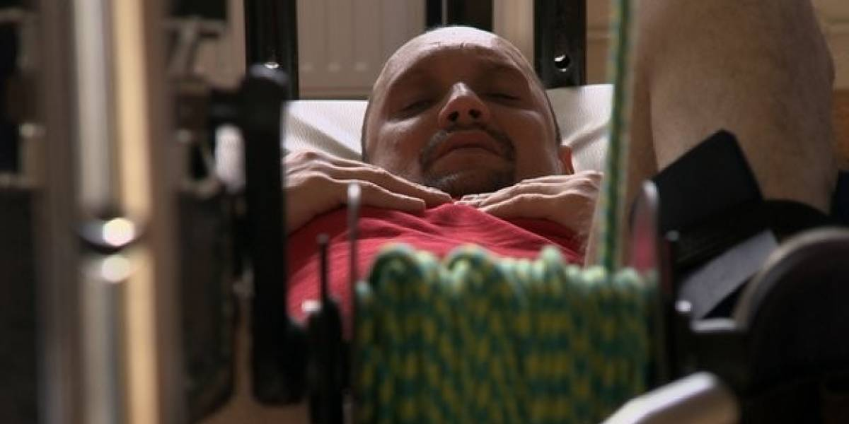 Un hombre paralizado vuelve a caminar tras recibir un trasplante de células en su columna