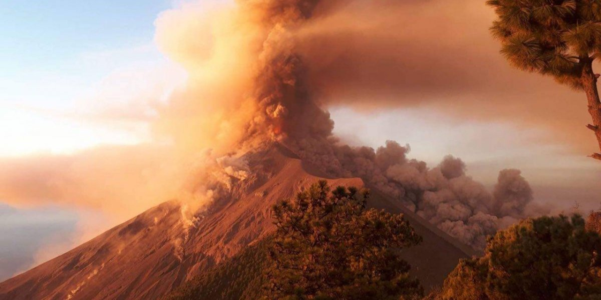 VIDEO. Captan momentos de dolor y drama en las faldas del volcán de Fuego
