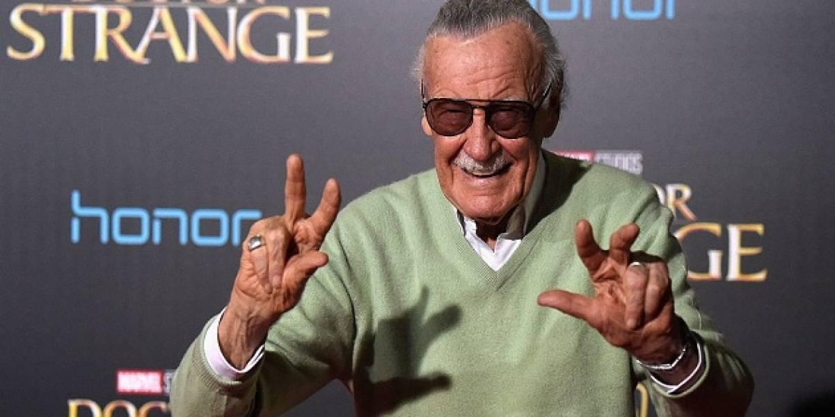 """Stan Lee es dado de alta y afirma """"sentirse bien"""""""