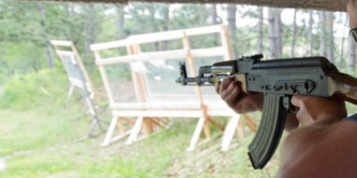 """Una """"matanza planeada"""": sujeto armado con una AK-47 y 200 cartuchos de municiones asesina a dos ex jefes y otro se salva porque no estaba"""