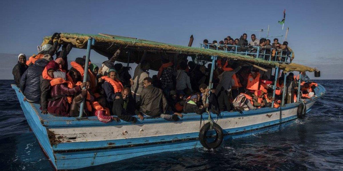 Tragedia en alta mar: Noventa migrantes paquistaníes ahogados en las costas Libias