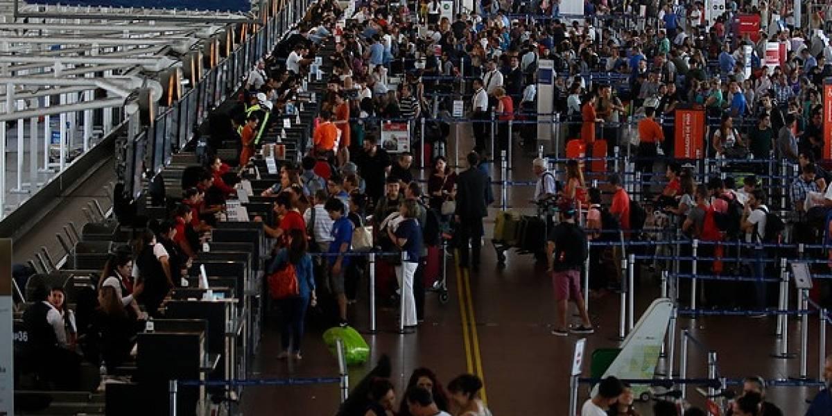 "Aeropuerto inaugura ""Santiago Welcome Point"" para analizar perfil de turistas"