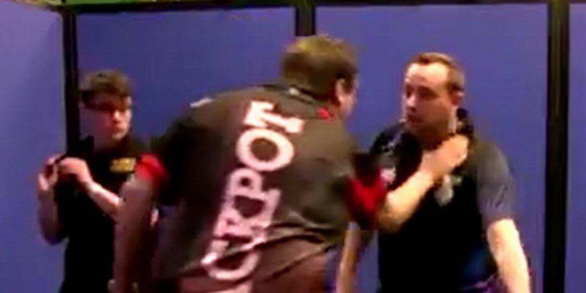 VIDEO: Suspenden al campeón de tiro con dado por agresión