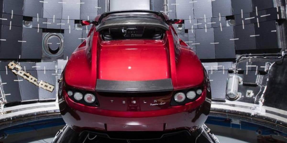 Tesla Roadster romperá récord de velocidad en el espacio, si no estalla
