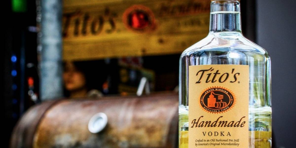 "Llega el ""gancho"" de Tito's Handmade Vodka"