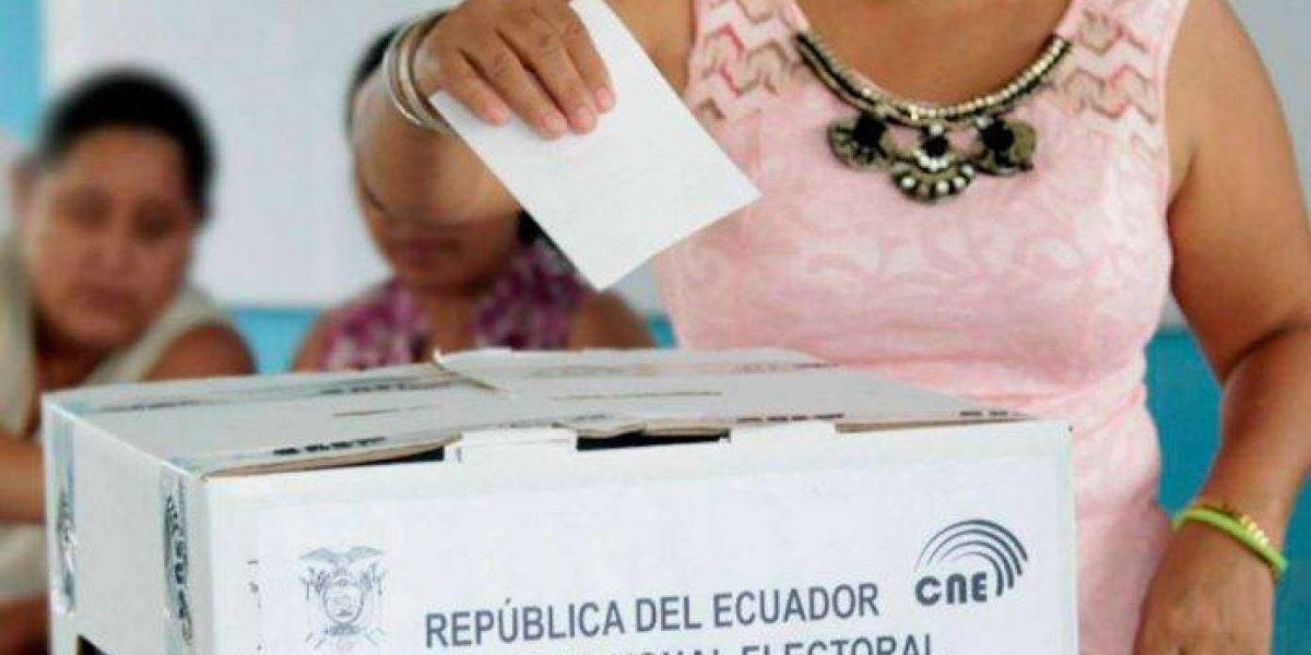 ¿Puedo salir del país si no ejerzo el derecho al voto?