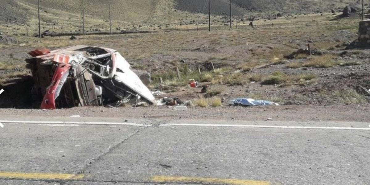 Mueren tres niños futbolistas en trágico accidente de autobús