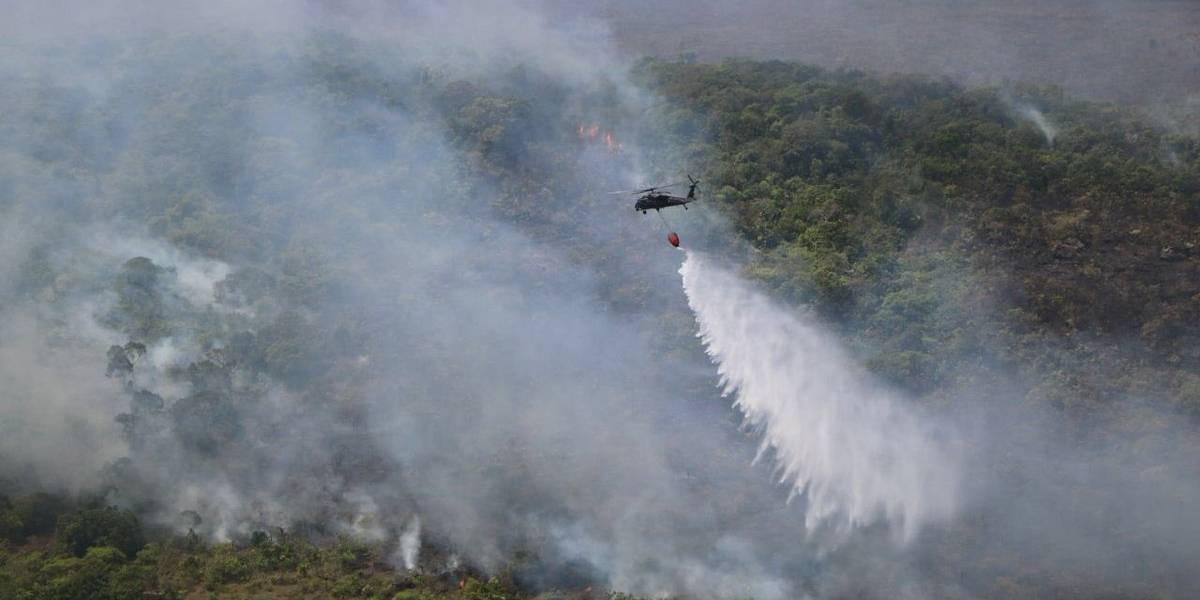 Incendio en La Macarena, que amenazaba a Caño Cristales, está controlado en un 90%
