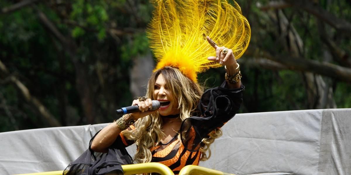 Elba Ramalho estreia seu trio em São Paulo em folia familiar