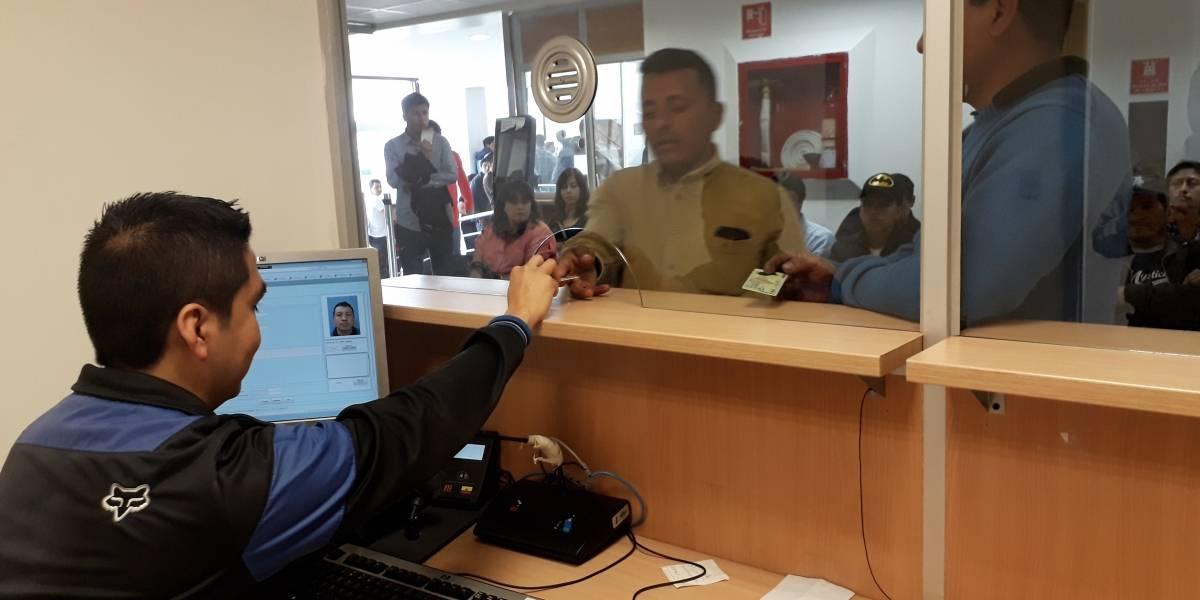 Más de mil cédulas de identidad se entregaron hoy en Registro Civil de Cuenca