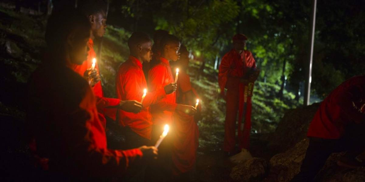 Caen dos mujeres por quemar viva a niña de 5 años en rito vudú