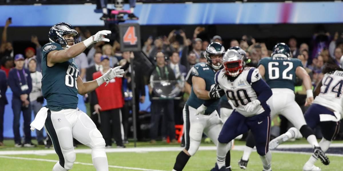 Eagles, en ventaja sobre Patriots a la mitad del Super Bowl