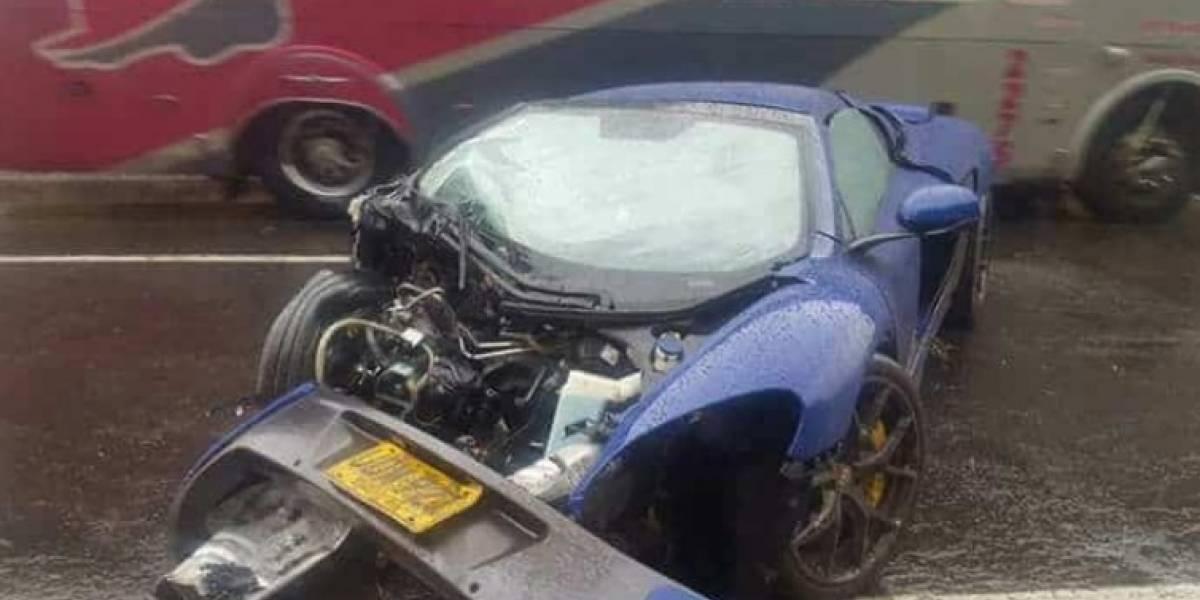 Aparatoso accidente de cuatro carros de lujo que hacían piques ilegales entre Bogotá-Tunja