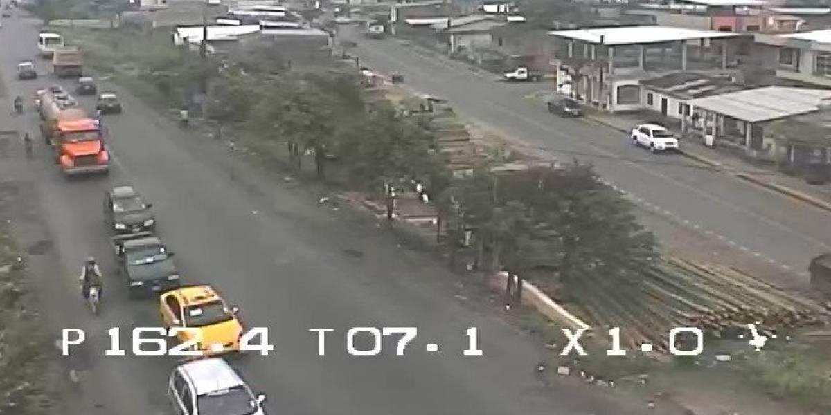 Registran robos en semáforos de la vía Perimetral