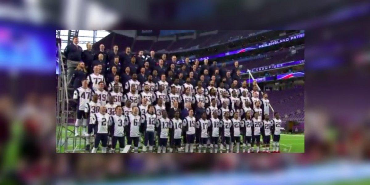 Patriots se toma la fotografía oficial previo al Super Bowl LII