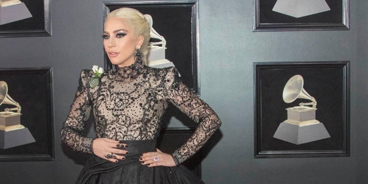 Lady Gaga cancela conciertos de su gira por fuertes dolores