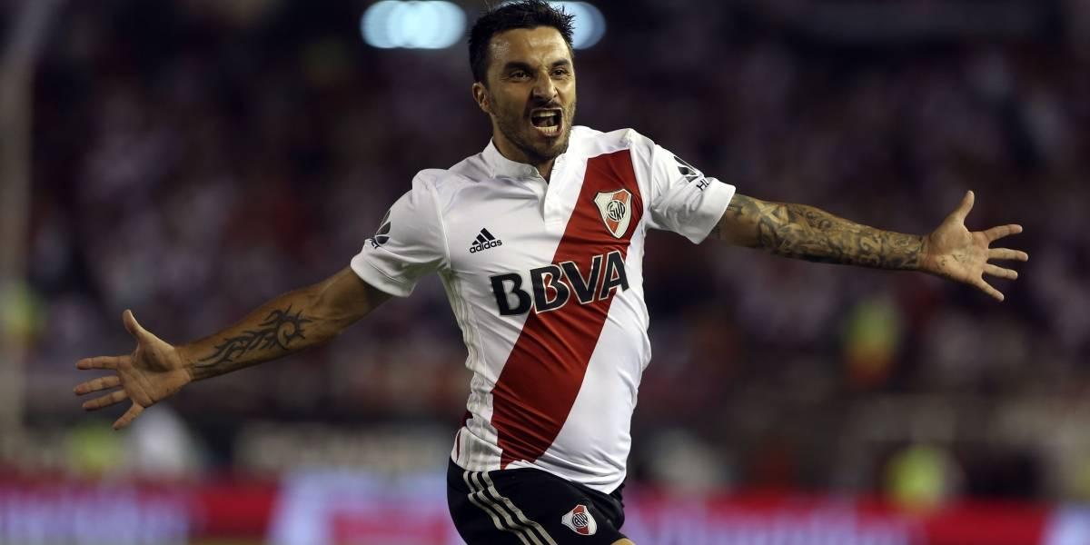 Ignacio Scocco se graduó de crack tras dejar a siete rivales en el suelo y marcar golazo por River Plate