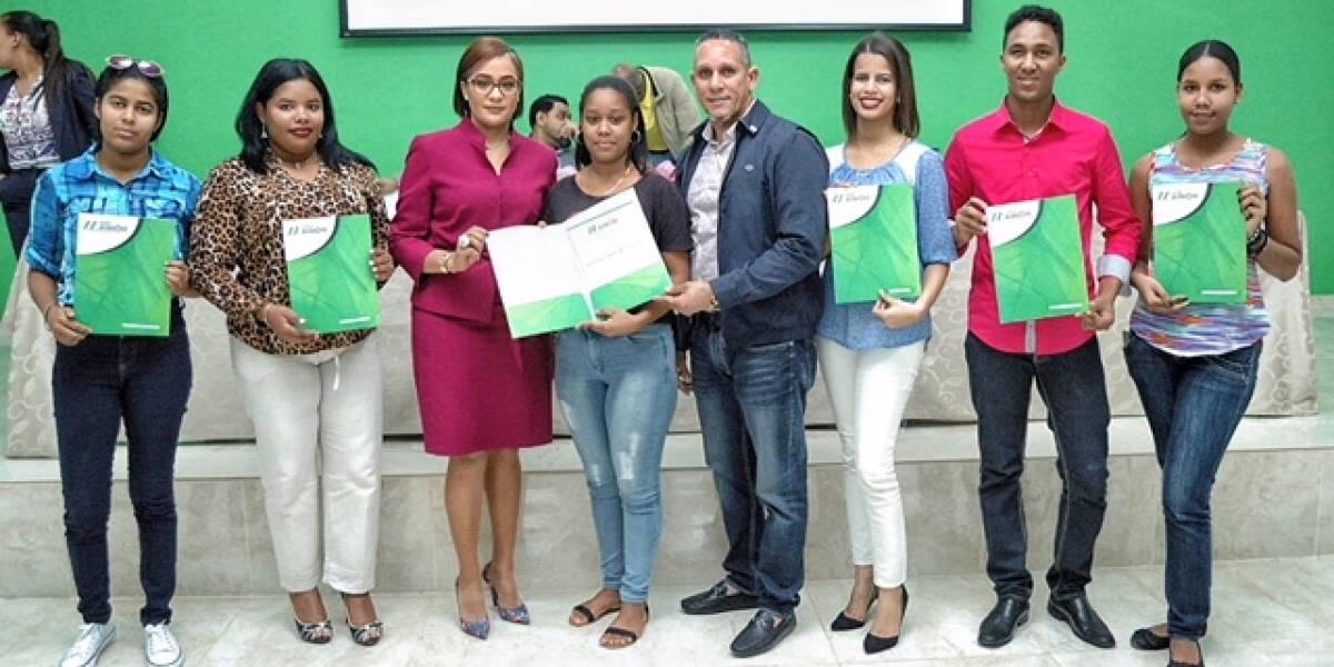 #TeVimosEn: COOPMAIMON realiza sexta entrega de becas universitarias