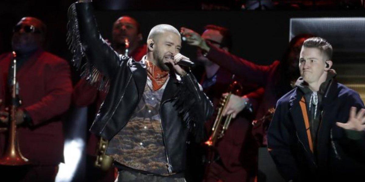 Justin Timberlake hizo tributo a Prince en medio tiempo de Super Bowl