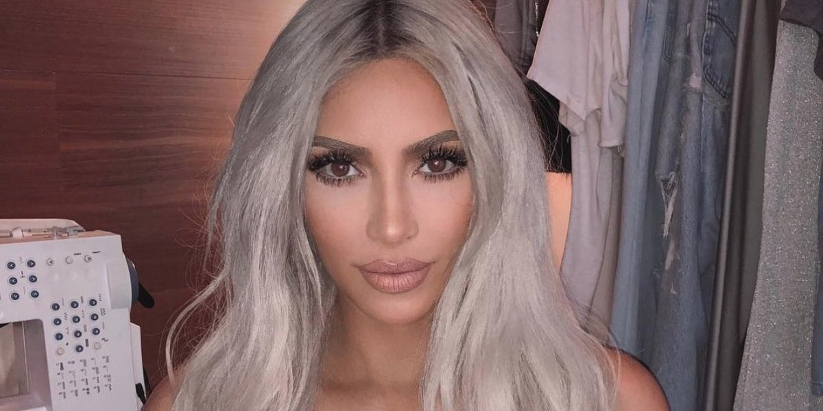 Critican a Kim Kardashian por foto mostrando su derrière