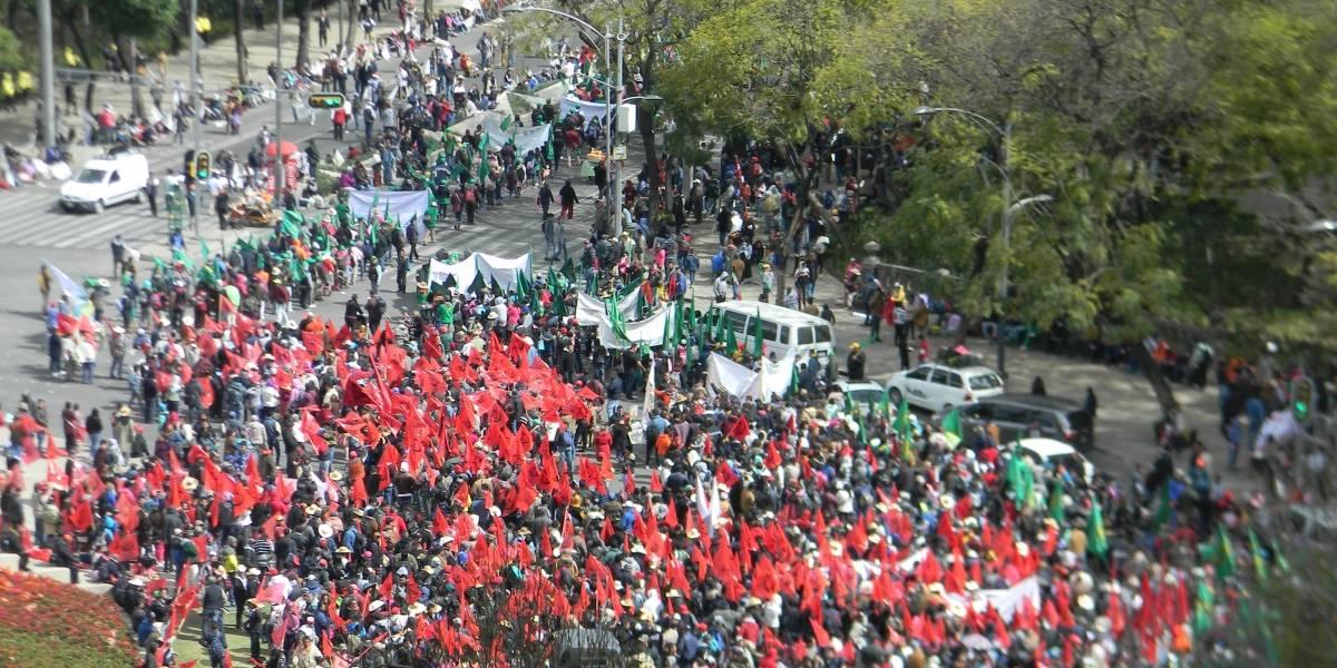 Manifestantes provocan caos vial en la CDMX