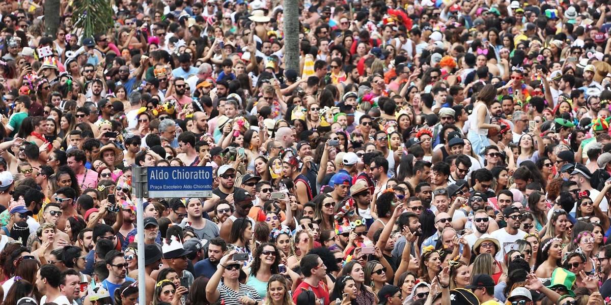 Número de roubos de celulares aumenta em SP durante o carnaval