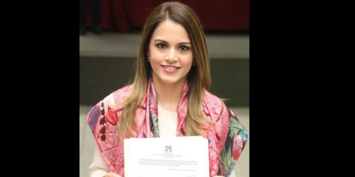 Lorena de la Garza se registra como precandidata a diputada local
