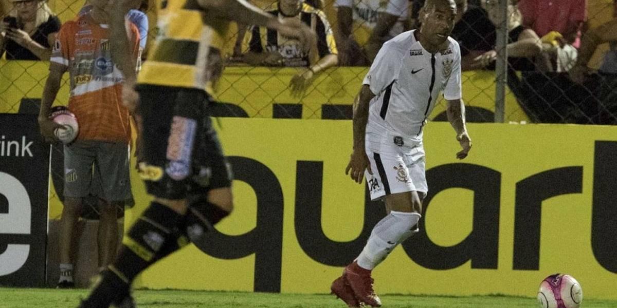 Na reestreia de Sheik, Corinthians obtém vitória magra sobre o Novorizontino