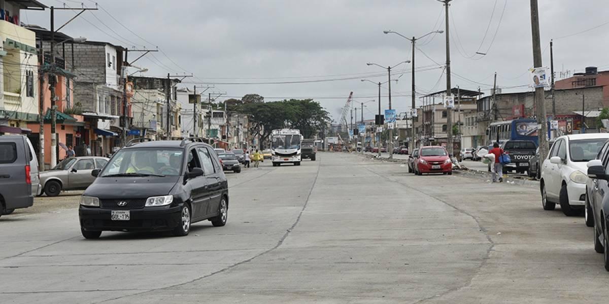 Abren Av. José María Egas al tráfico vehicular